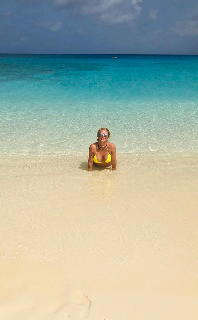 Britney Spears, Turks and Caicos, Vacation