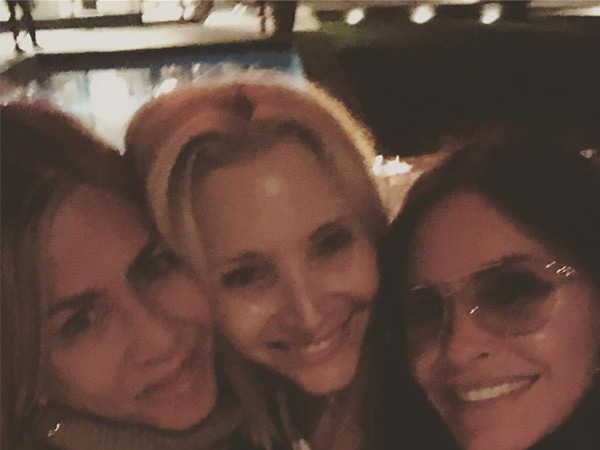 Jennifer Aniston, Lisa Kudrow and Courteney Cox Tease <i>Friends</i> Reunion During Girls' Night
