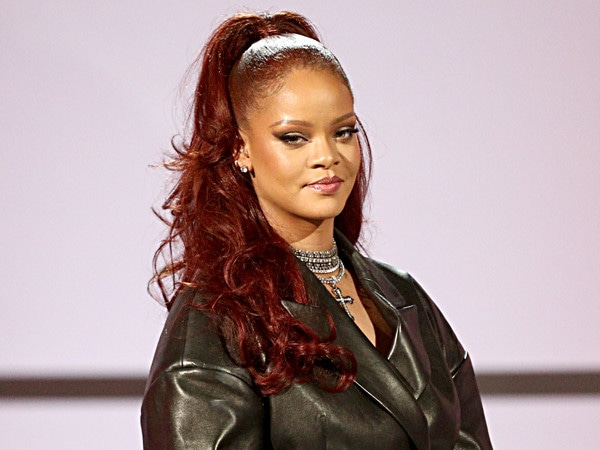 "Rihanna's Stylist Breaks Down the Singer's ""Dreamy"" BET Awards Red Hairdo"