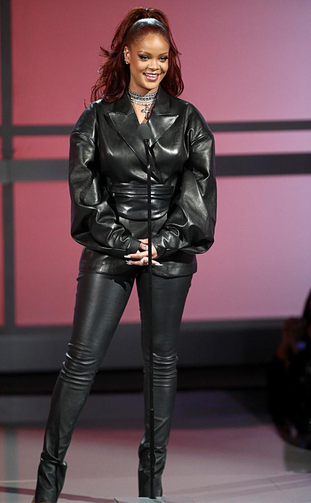 Rihanna S Stylist Breaks Down The Singer S Dreamy Bet