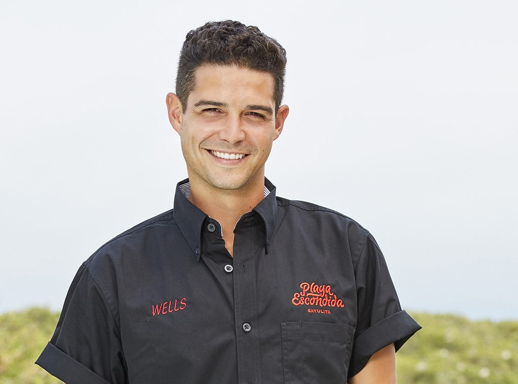 """Bartender Wells Adams Says Bachelor in Paradise Season 6 Is """"Bonkers"""" and """"the Craziest Season to Date"""""""