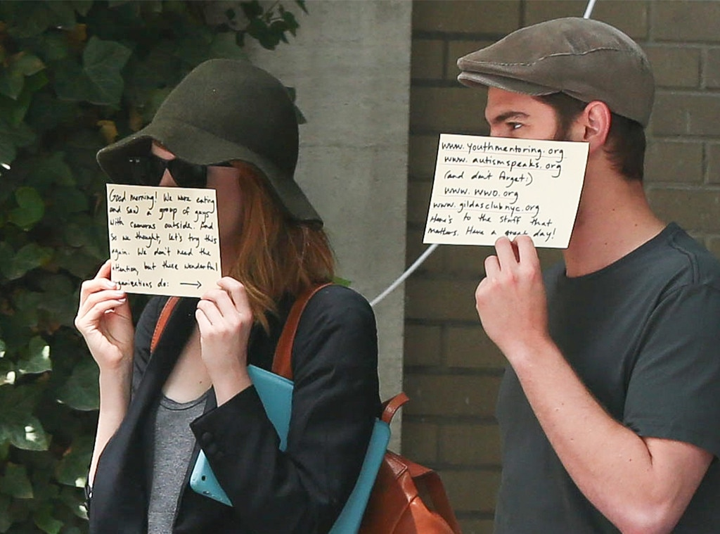 Andrew Garfield, Emma Stone, Hiding from Paparazzi