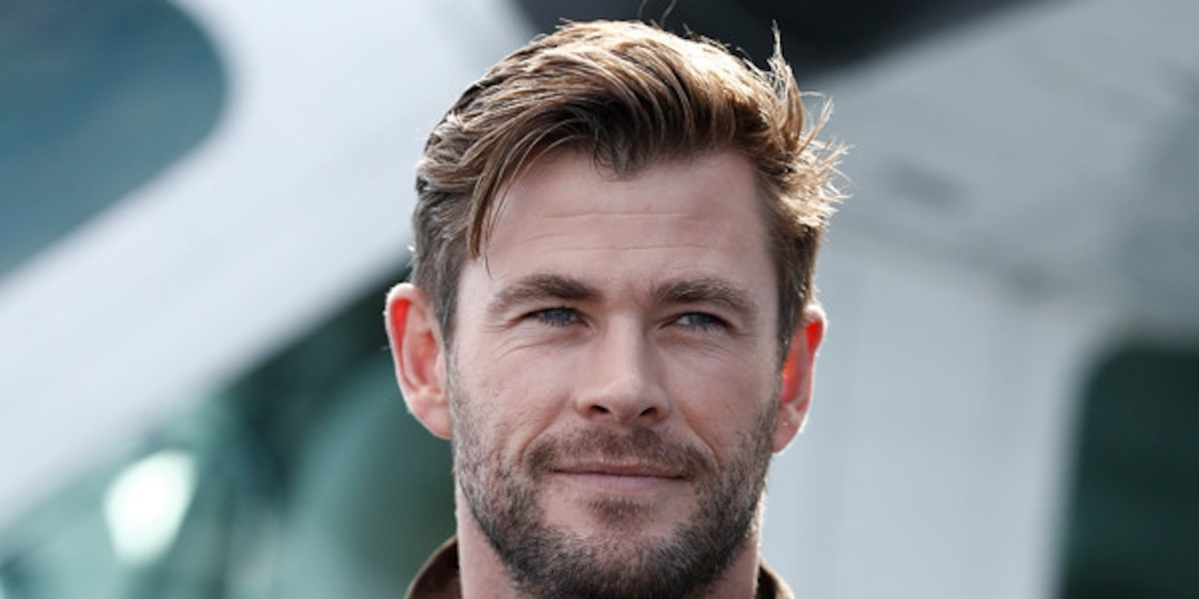 "Chris Hemsworth's Son Calls Him His ""Special Friend"" in Adorable Handwritten Note - E! Online.jpg"