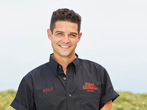 "Bartender Wells Adams Says <i>Bachelor in Paradise</i> Season 6 Is ""Bonkers"" and ""the Craziest Season to Date"""