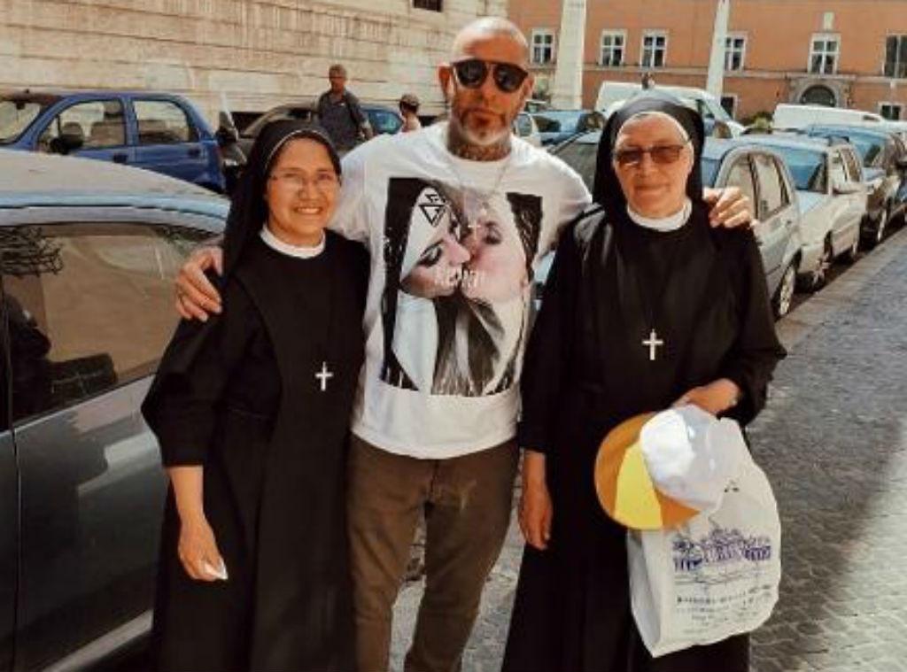 Henrique Fogaça, freiras