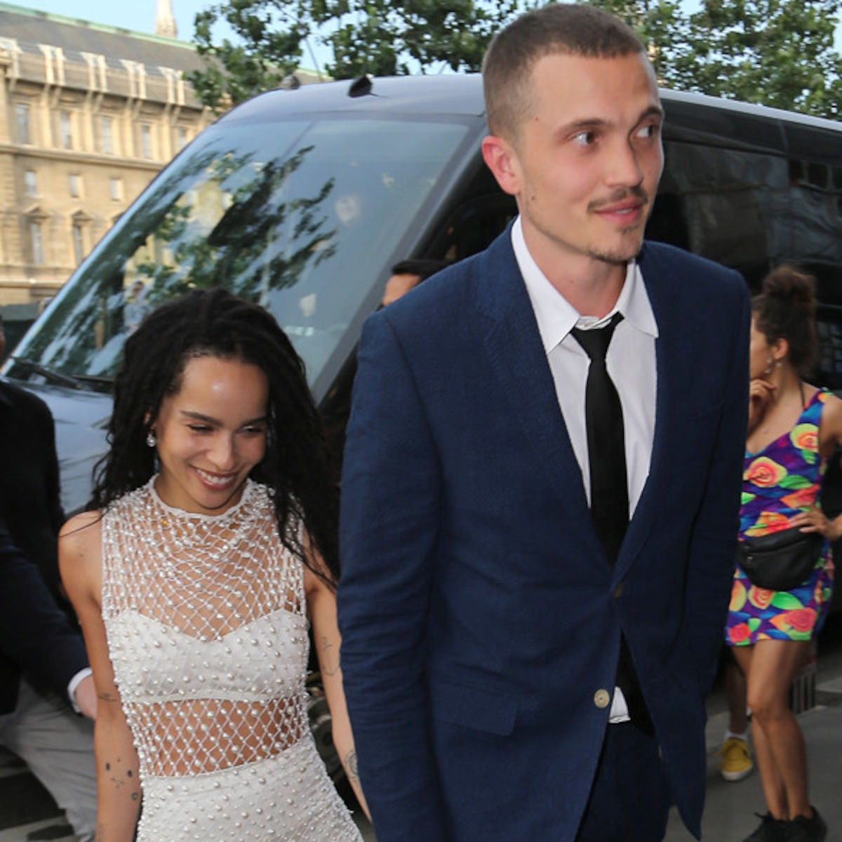 Zoe Kravitz Proves She S Living A Real Life Fairy Tale In