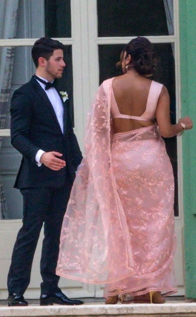 pictures of priyanka chopra wedding dress