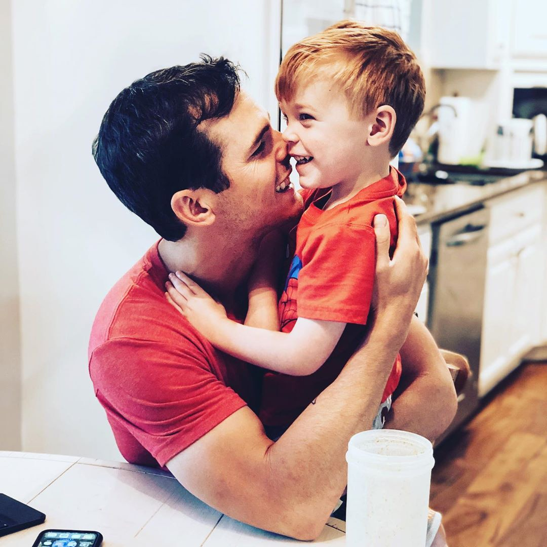 Country singer Granger Smith's 3-year-old son dies in 'tragic accident'