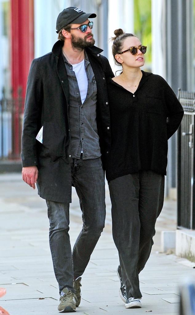 Daisy Ridley, Tom Bateman