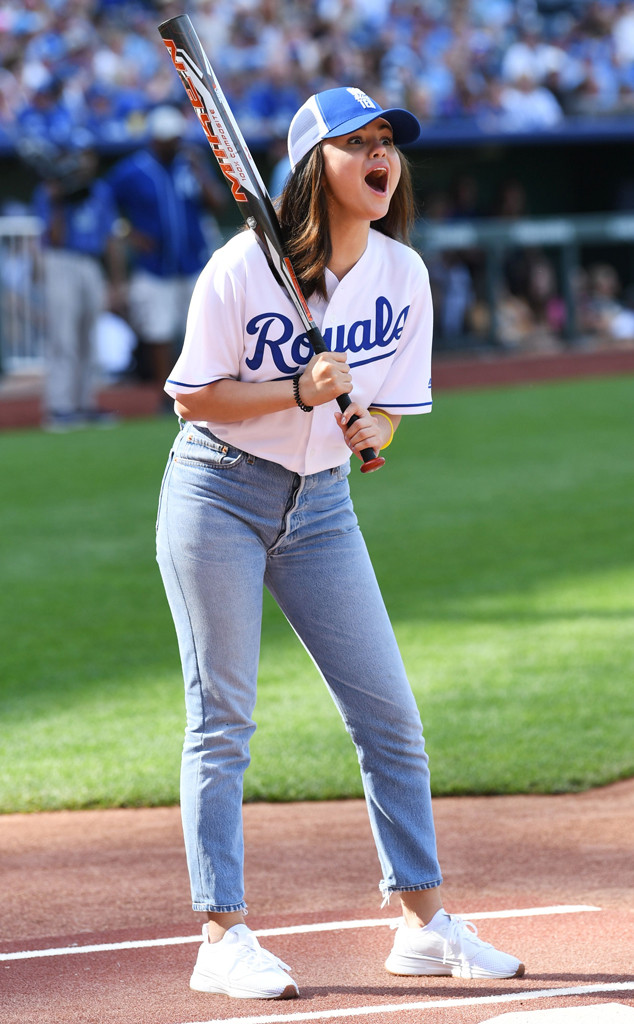 Selena Gomez, Big Slick Celebrity Weekend Softball Game