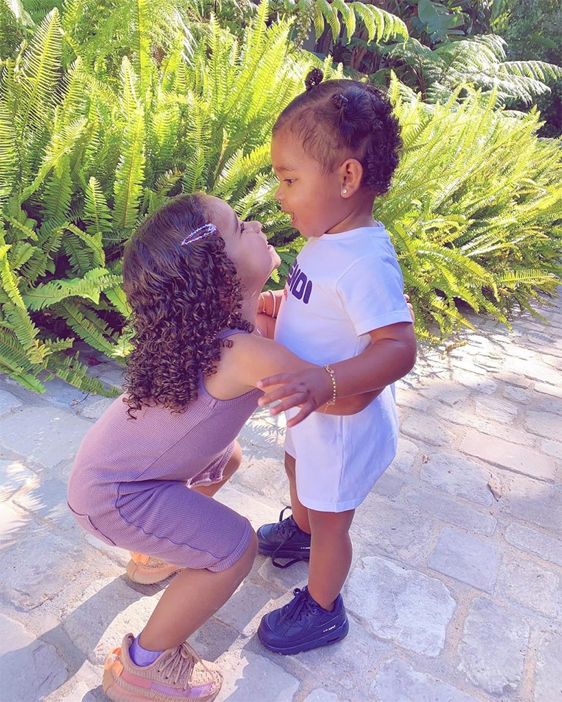 Dream Thompson Kardashian With Photos True Bff Cousin In Bonds Sweet FT1JlKc