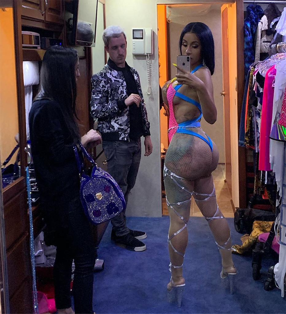 Cardi B Debuts Her Character in Hustlers Stripper Movie With Sexy Selfie