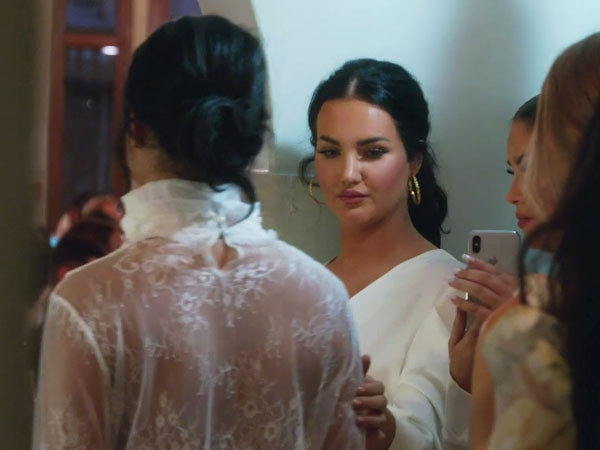 Get a Front Row Seat to Natalie Halcro & Olivia Pierson's Debut Fashion Show on <i>Relatively Nat & Liv</i>