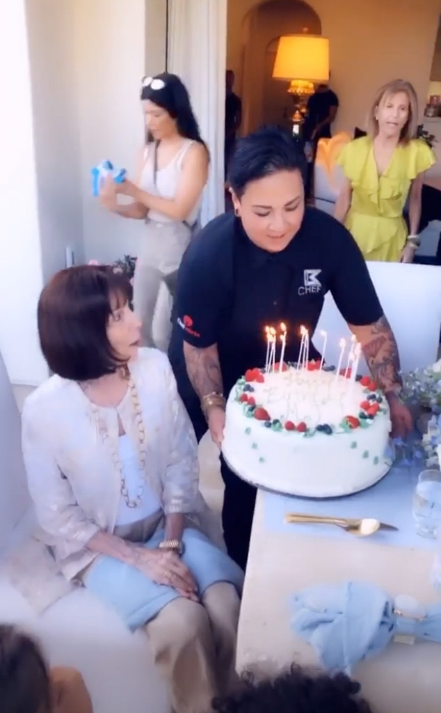 Excellent Cake Time From Kardashians Grandmother Mjs 85Th Birthday Party Funny Birthday Cards Online Kookostrdamsfinfo