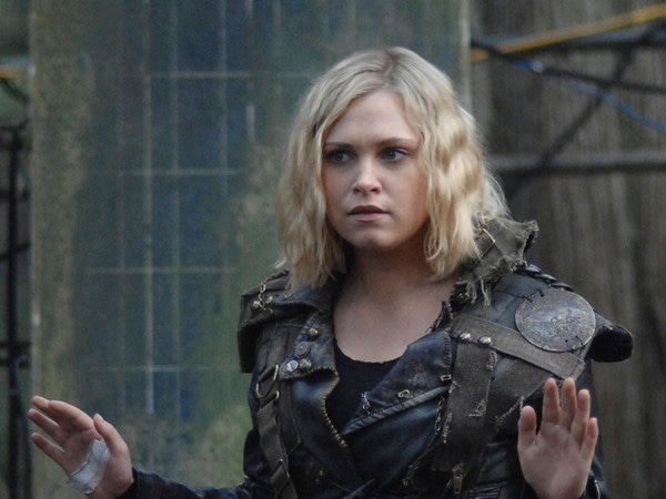 """What Comes After Clarke's """"Death"""" on <i>The 100</i>? Bargaining, Danger, and Confusion"""