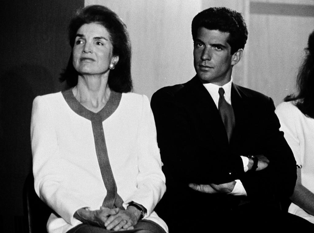 John F. Kennedy Jr., Jacqueline Kennedy, Famiglia