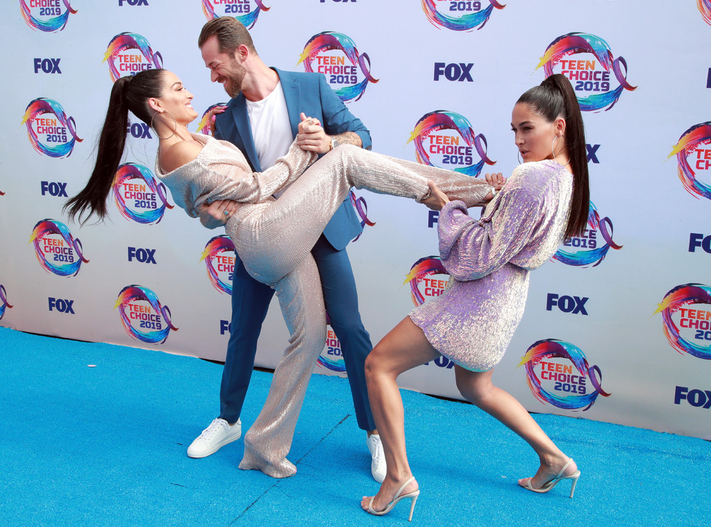 Nikki Bella, Artem Chigvintsev, Brie Bella, 2019 Teen Choice Awards