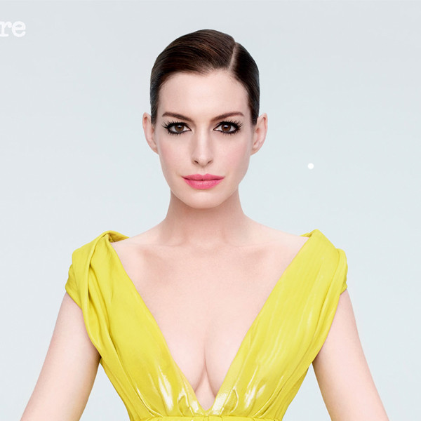 Flipboard: Anne Hathaway's Baby Bump Made Its Grand Debut