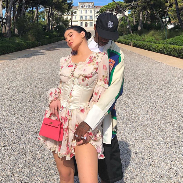 Kylie Jenner Shuts Down Travis Scott Split Rumors With One Adorable Family Photo