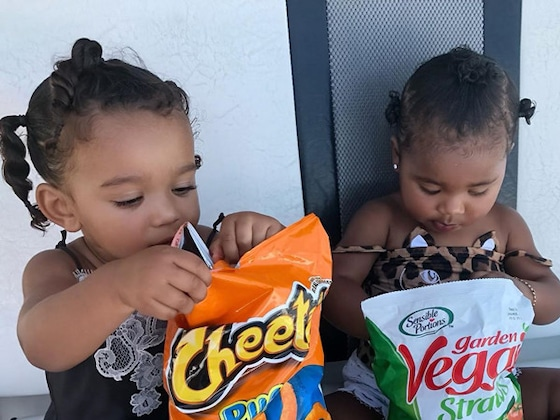 Chicago West and True Thompson Hands Deep in Snacks Is Honestly All of Us