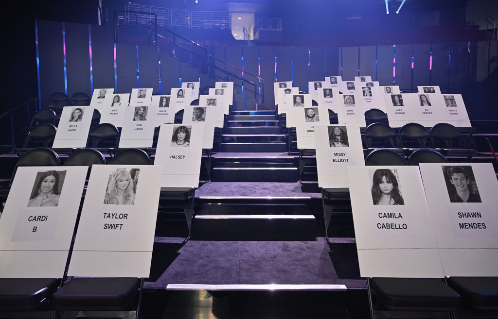 2019 MTV VMAs, Seating Cards