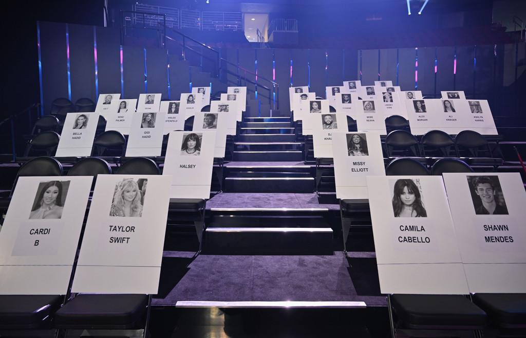 2019 MTV VMAs, Seating Cards