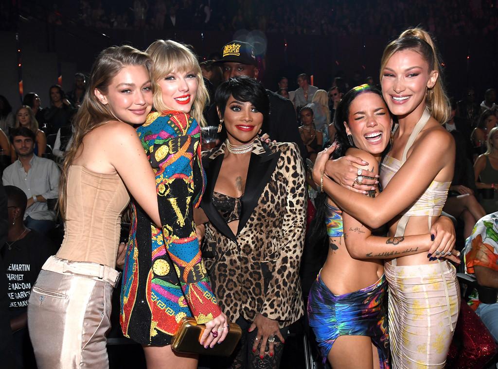 Gigi Hadid, Taylor Swift, Sandra Pepa Denton, Halsey and Bella Hadid, MTV Video Music Awards, MTV VMA's