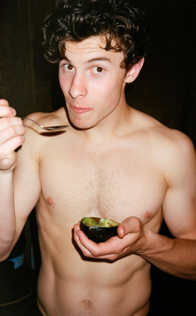 Shawn Mendes Poses Shirtless With An Avocado Stars Are Here For It E Online