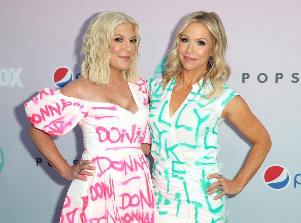 Tori Spelling, Jennie Garth, BH90210 Peach Pit Pop-Up