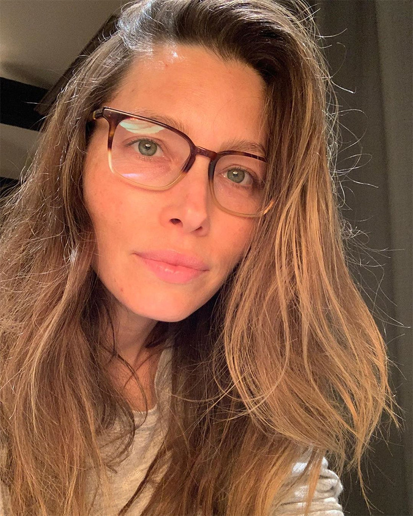 los angeles d0e7a a4013 Jessica Biel Shares a Makeup-Free Selfie for a Great Cause ...