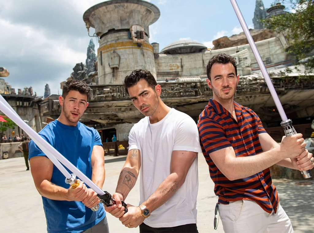 Jonas Brothers, Disney World, Star Wars: Galaxy's Edge, Joe Jonas, Nick Jonas, Kevin Jonas