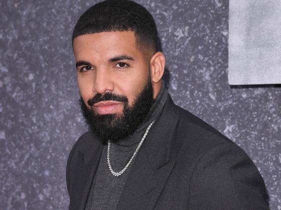 Lo que hace Drake cuando está borracho y aburrido
