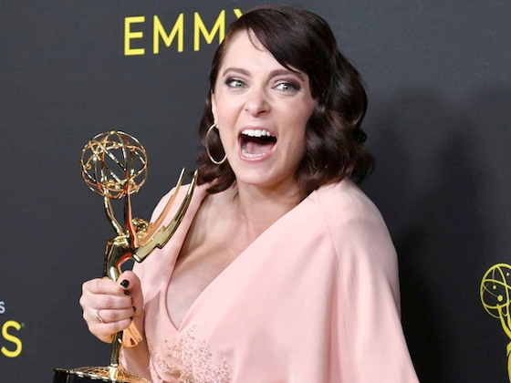 Rachel Bloom Announces She's Pregnant After Winning Her First Emmy