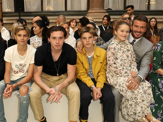 Brooklyn Beckham Gets His Siblings Names Tattooed On His Fingers