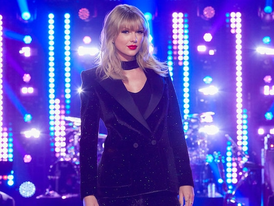 "Taylor Swift Joins <i>The Voice</i> Season 17 as ""Mega Mentor"""