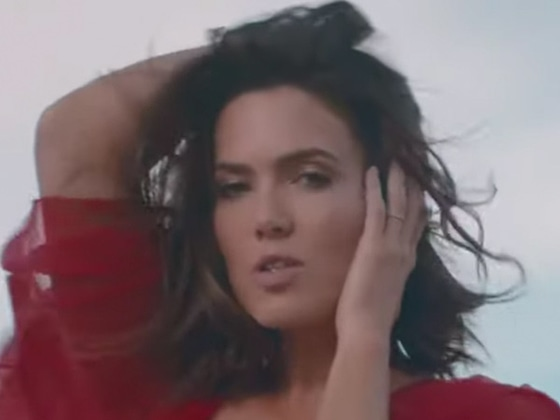 "Mandy Moore Drops First Original Song in 10 Years: Listen to ""When I Wasn't Watching"""