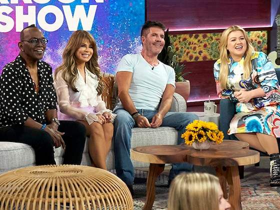 Kelly Clarkson Hosts <i>American Idol</i> Reunion With Simon Cowell, Paula Abdul and Randy Jackson