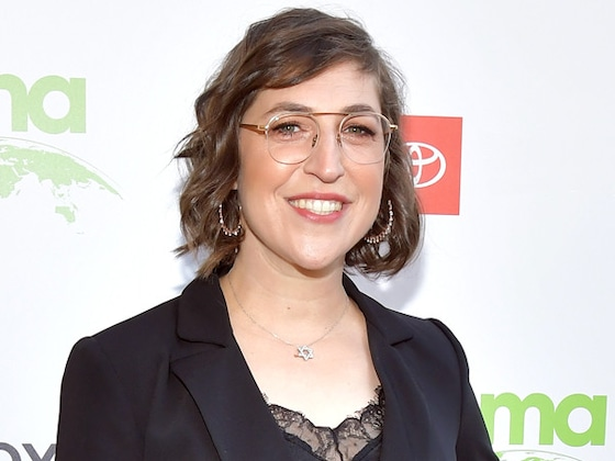 Mayim Bialik To Open a Cat Café in New Show, Produced With <i>Big Bang Theory</i> Costar Jim Parsons