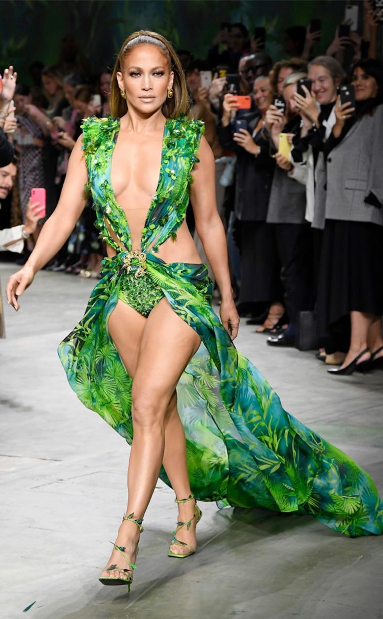 Jennifer Lopez, 2019 Milan Fashion Week, Versace dress