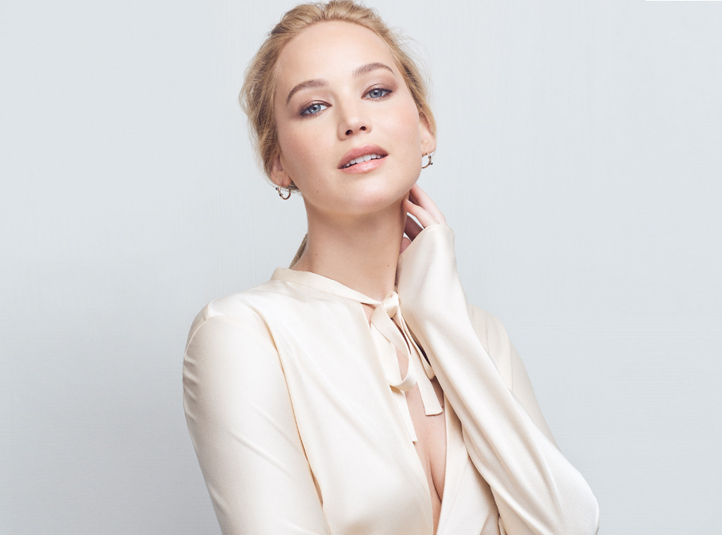 EComm: Jennifer Lawrence, Amazon Registry