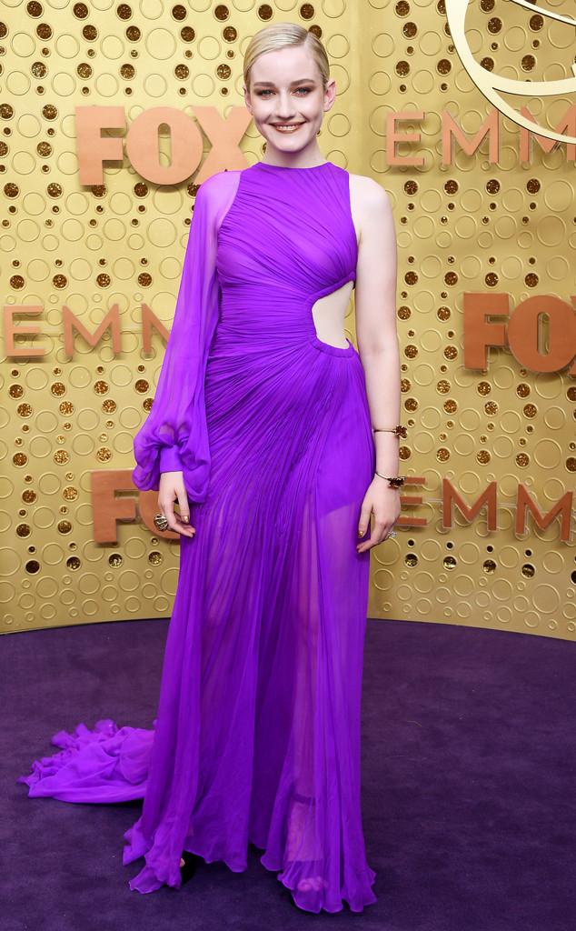 Julia Garner, 2019 Emmy Awards, 2019 Emmys, Red Carpet Fashion