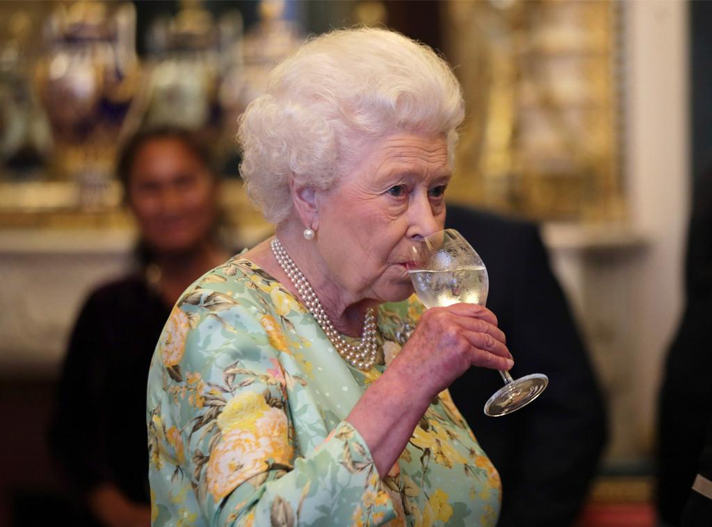 Queen Elizabeth II, The Queen's Awards for Enterprise 2017, Drinking Wine