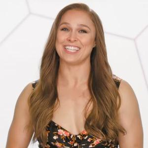 Ronda Rousey, Total Divas 901