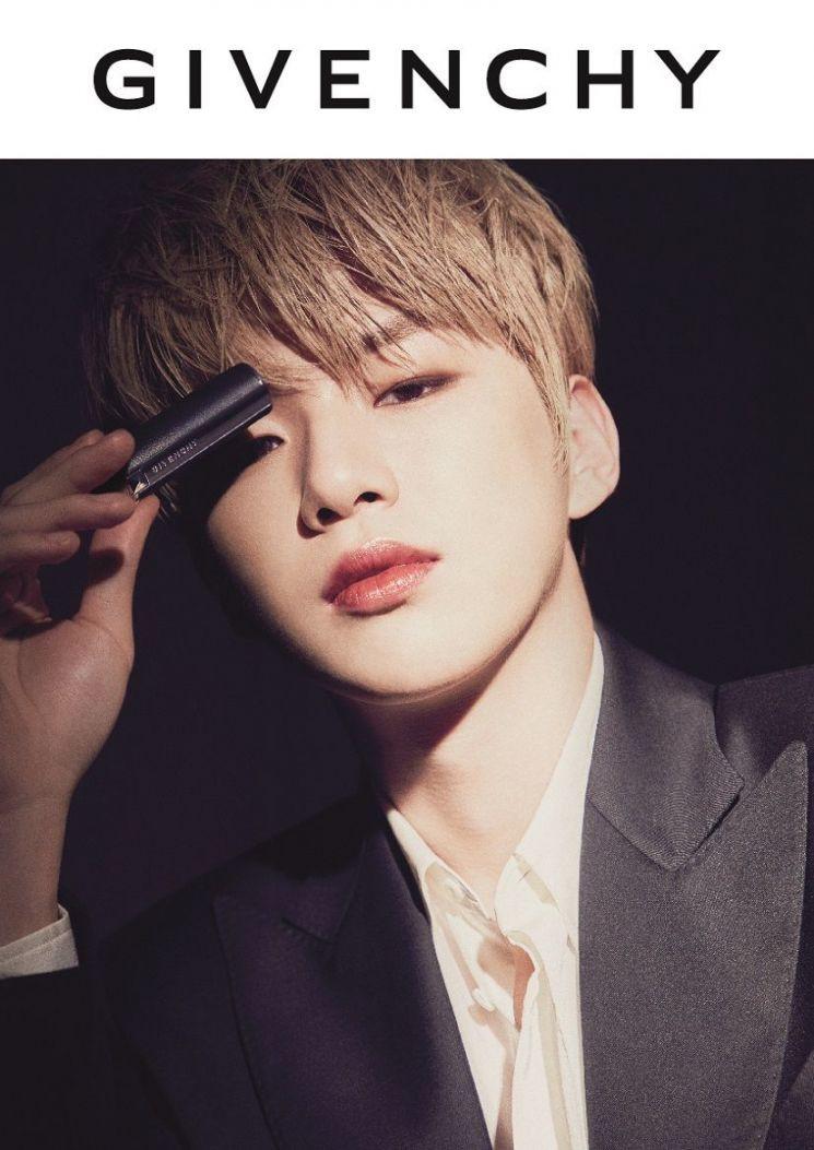 Kang Daniel, Givenchy