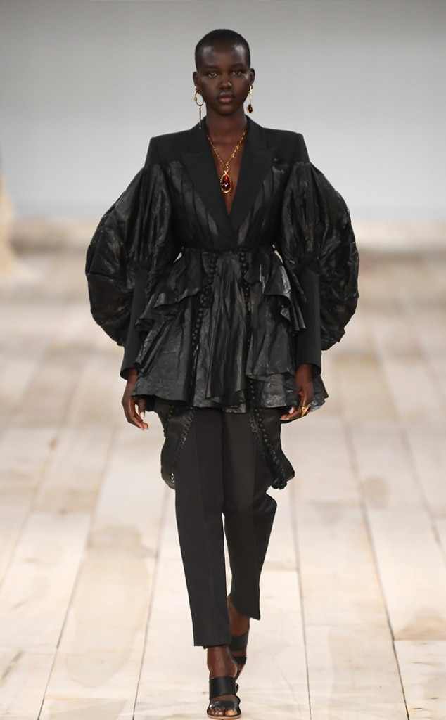 Best Looks Widget, 2019 Paris Fashion Week