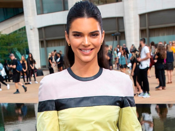 Kendall Jenner Is Almost Unrecognizable With Blonde Hair at Burberry's London Fashion Week Show