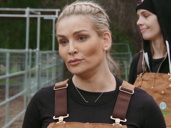 """See Ronda Rousey Teach Nattie Neidhart the """"Simple Joys"""" of Life on a Farm"""