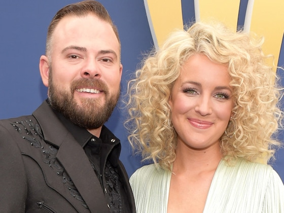 Country Singer Cam Is Pregnant With Her First Child