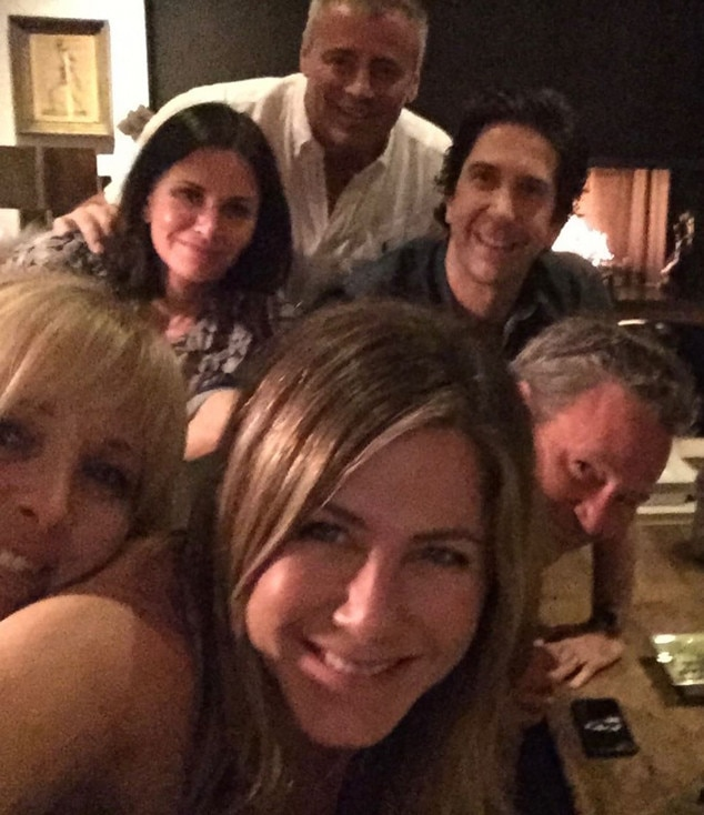 Jennifer Aniston makes explosive Instagram debut with full 'Friends' reunion photo
