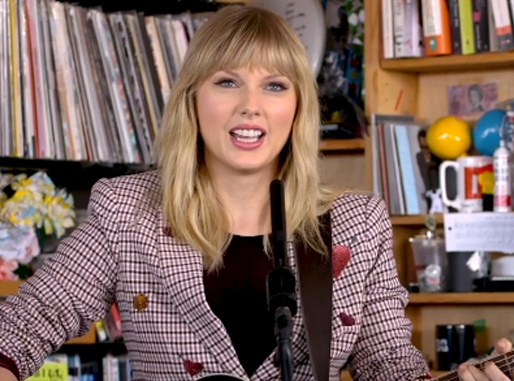 Watch Taylor Swift Perform At NPR's Tiny Desk